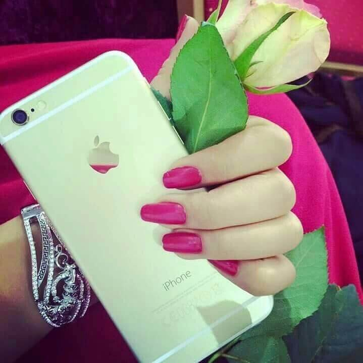 stylish-pink-nails-girl-dp