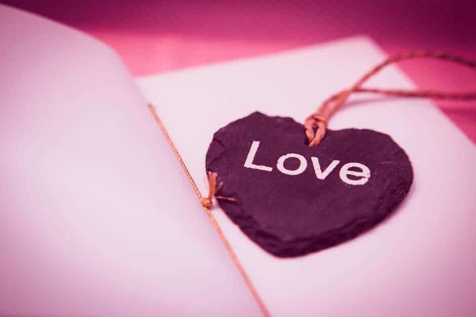 Love DP*] Romantic Couple WhatsApp DP Profile Pics For Facebook